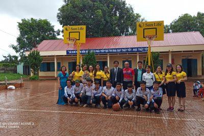 Bảo hiểm Nhân thọ Sun Life trao tặng thiết bị bóng rổ cho Trường THCS Lương Thế Vinh