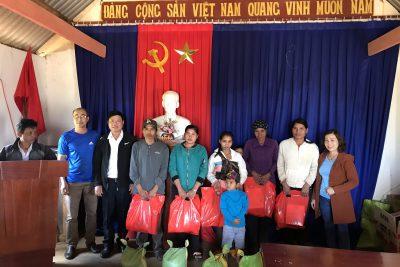 Trường THCS Lương Thế Vinh thăm, chúc Tết Tân Sửu 2021 và tặng quà đồng bào buôn kết nghĩa ĐRao B