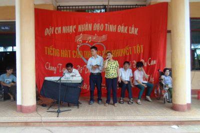 Giao lưu văn nghệ ủng hộ trẻ em khuyết tật